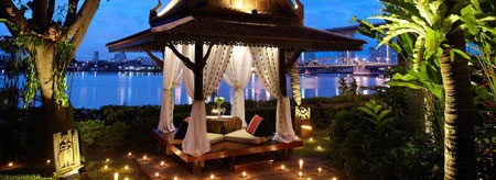 Anantara-Bangkok-Riverside_450px